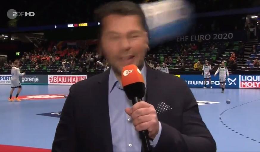 ZDF-Moderator Yorck Polus wird den Auftakt der Europameisterschaft so schnell nicht vergessen.  Bild screenshot
