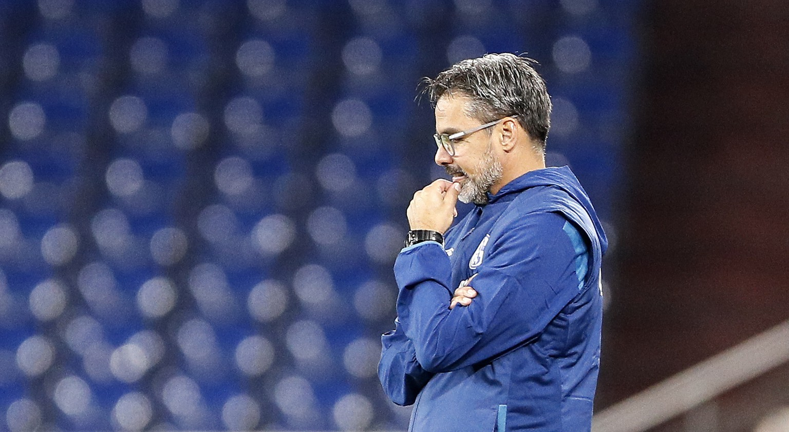 Schalke's head coach David Wagner reacts during the German Bundesliga soccer match between FC Schalke 04 and Werder Bremen in Gelsenkirchen, Germany, Saturday, Sept. 26, 2020. (AP Photo/Martin Meissner)