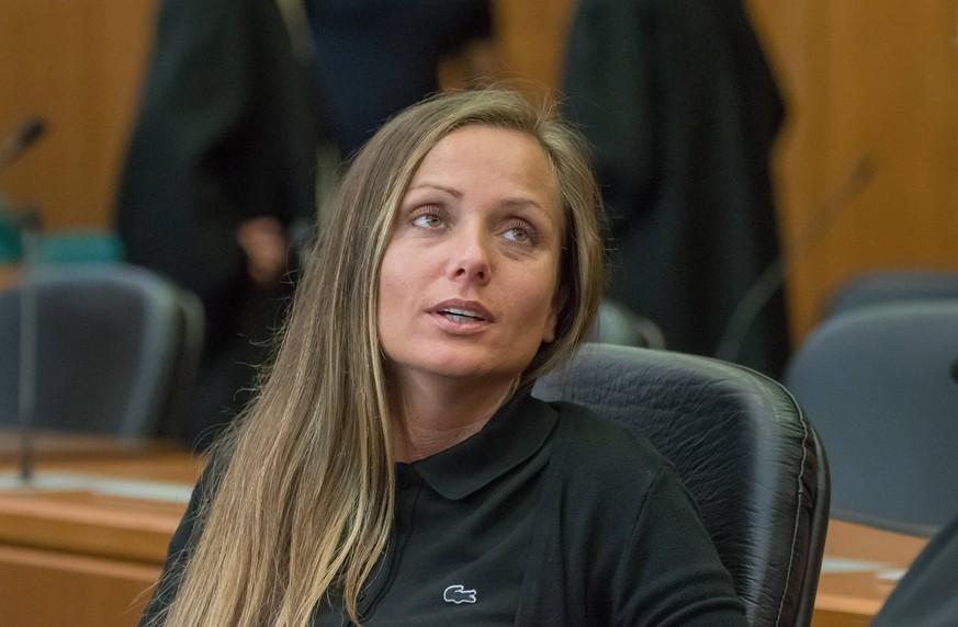 Schwesta Ewa muss ins Gefängnis – und wird von ihrem Kind getrennt