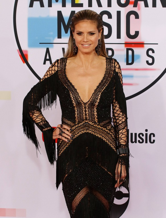 October 9, 2018 - Los Angeles, California, U.S - Heidi Klum during the the 2018 American Music Awards at the Microsoft Theater on Tuesday, October 9, 2018 in Los Angeles, California. Los Angeles U.S. PUBLICATIONxINxGERxSUIxAUTxONLY - ZUMAp124 20181009_zaa_p124_172 Copyright: xBurtxHarris/Bnsx