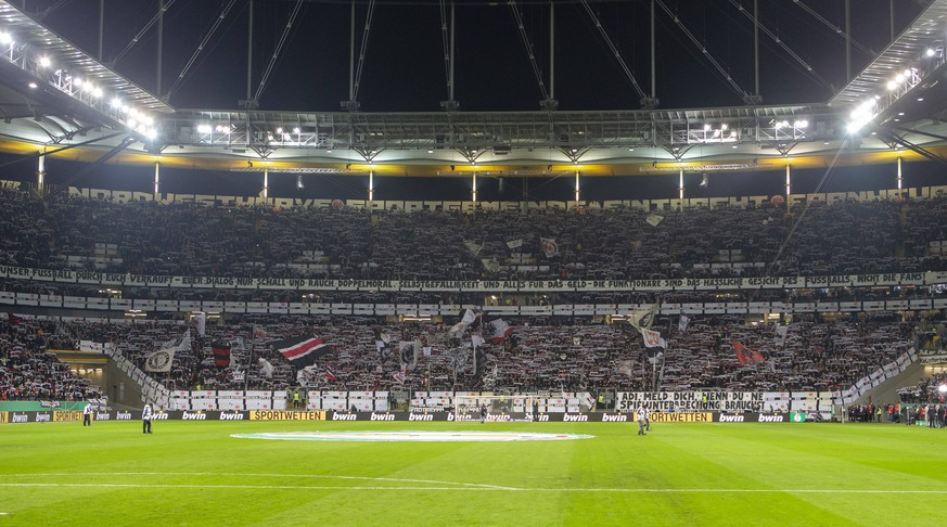 Deutschland, Frankfurt am Main, Commerzbank-Arena, 04.03.2020, emspor, emonline, despor, deonline, Eintracht Frankfurt - Werder Bremen, Fussball, DFB Pokal Bild: v. l. Banner, Plakat, Fans gegen den DFB Protest DFL REGULATIONS PROHIBIT ANY USE OF PHOTOGRAPHS AS IMAGE SEQUENCES AND/OR QUASI-VIDEO. *** Germany, Frankfurt am Main, Commerzbank Arena, 04 03 2020, emspor, emonline, despor, deonline, Eintracht Frankfurt Werder Bremen, football, DFB Pokal Bild v l Banner, poster, fans against the DFB protest DFL REGULATIONS PROHIBIT ANY USE OF PHOTOGRAPHS AS IMAGE SEQUENCES AND OR QUASI VIDEO Copyright: HMBxMedia/xHeikoxBecker