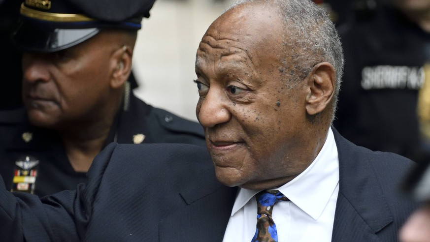 September 24, 2018 - Norristown, Pennsylvania, United States - US Entertainer Bill Cosby arrives for a scenting hearing at the Montgomery County Courthouse, in Norristown, PA, on September 24, 2018. Cosby appears before Judge Steven O Neil after a jury found the 81 year old entertainer guilty of three counts of aggravated indecent assault in a April 2018 retrial. Norristown United States PUBLICATIONxINxGERxSUIxAUTxONLY - ZUMAn230 20180924_zaa_n230_058 Copyright: xBastiaanxSlabbersx