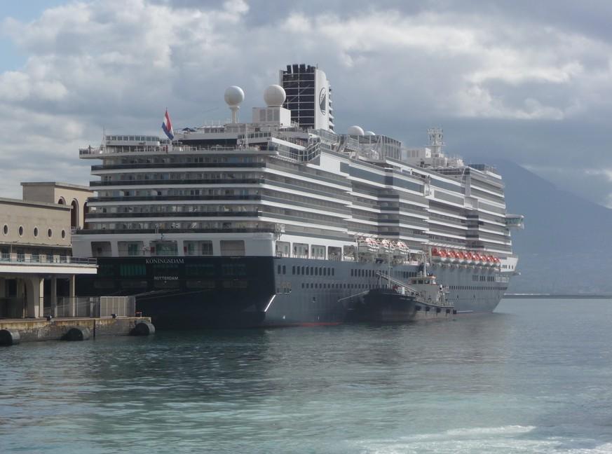 Gezieltes Manöver von Venezuela: Kriegsschiff greift deutschen Kreuzer an und sinkt