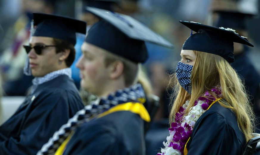 June 13, 2020, Temecula, California, USA: Social distancing was a must but masks were optional for students as part of the graduation ceremony on campus at Linfield Christian School in Temecula on Saturday, June 13, 2020. Temecula USA PUBLICATIONxINxGERxSUIxAUTxONLY - ZUMAo44 20200613zano44067 Copyright: xTerryxPiersonx