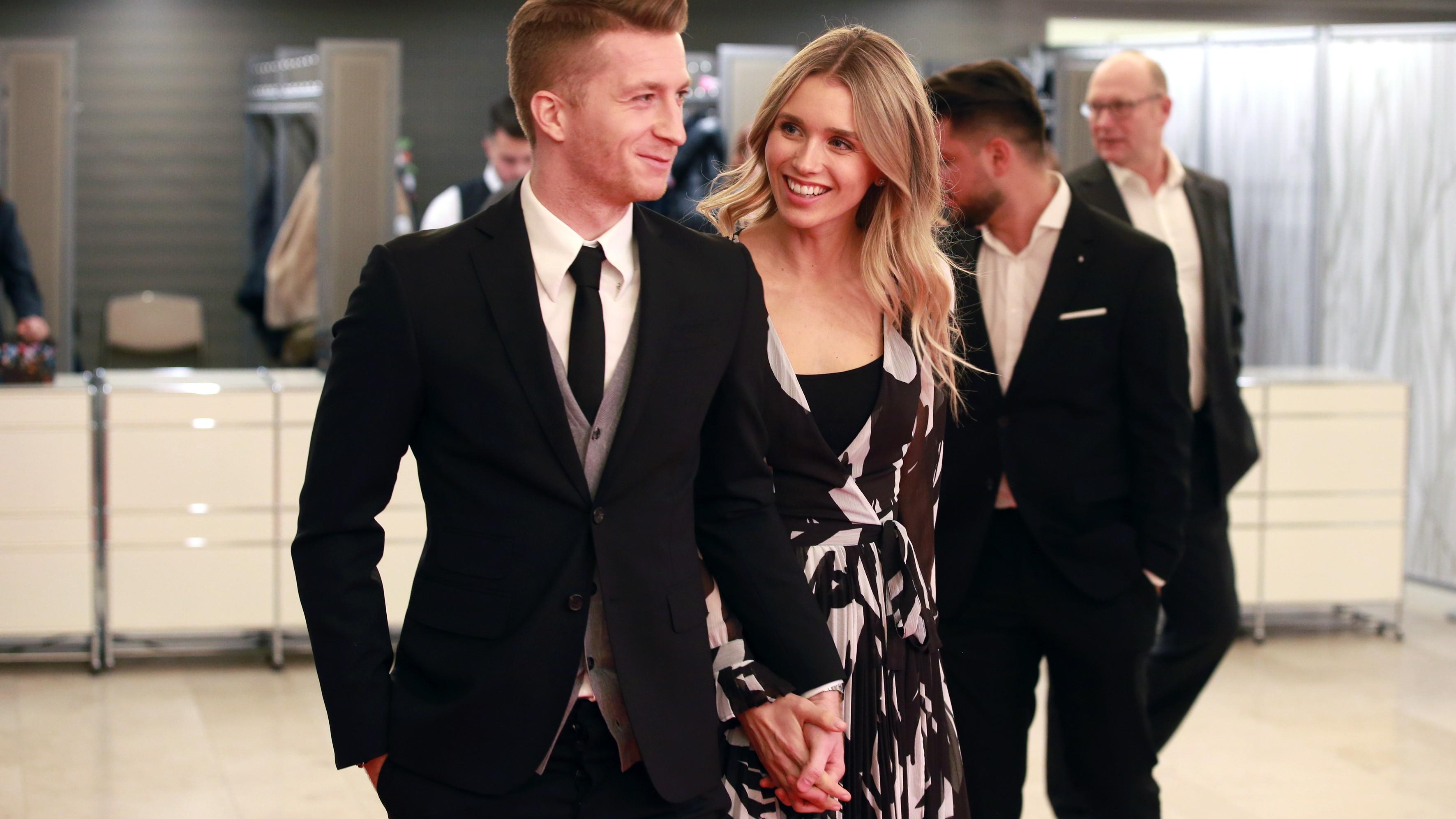 Marco Reus zeigt heimliche Hochzeit auf intimem Foto – alle Details zur Location, Band, Stylistin