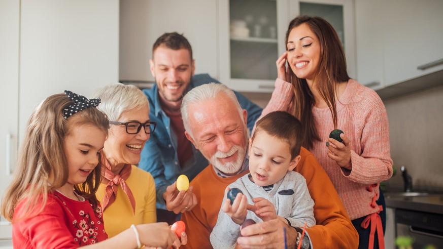 Corona-Krise: Können wir an Ostern unsere Familien besuchen? Das sagt Virologe Kekulé