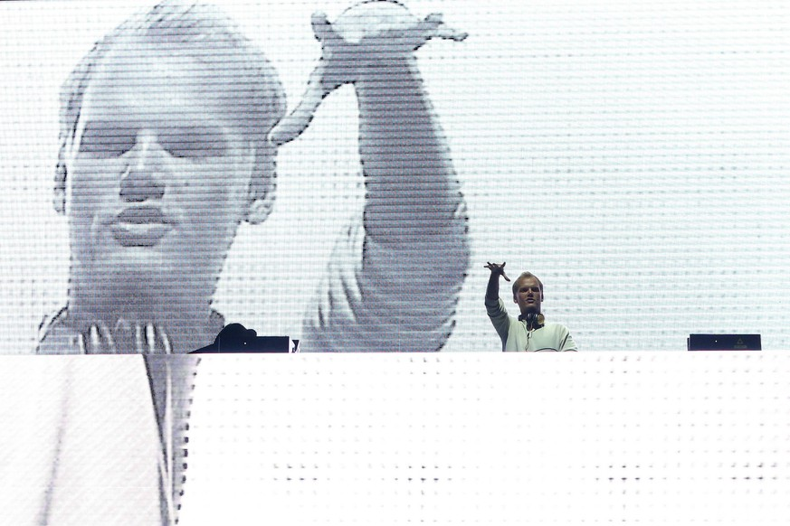 May 29, 2016 - Lisbon, Portugal - Picture taken on May 29, 2016 shows Swedish musician, DJ, remixer and record producer Avicii (Tim Bergling) performing at Rock in Rio Lisboa 2016 music festival in Lisbon, Portugal. It was confirmed Avicii died on April 20, 2018 in Muscat, Oman. Lisbon Portugal PUBLICATIONxINxGERxSUIxAUTxONLY - ZUMAn230 20160529_zaa_n230_406 Copyright: xPedroxFiuzax