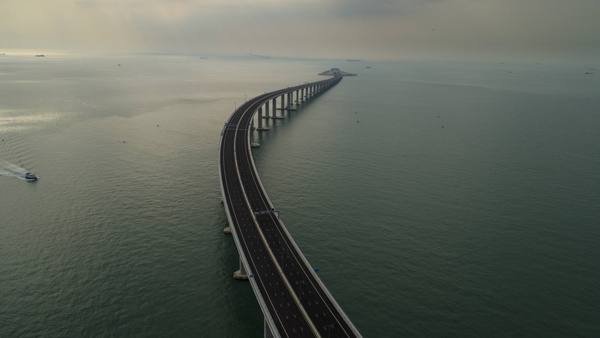 (181022) -- HONG KONG, Oct. 22, 2018 -- Aerail photo taken on Oct. 13, 2018 shows the Hong Kong section of the Hong Kong-Zhuhai-Macao Bridge in Hong Kong, south China. The Hong Kong-Zhuhai-Macao Bridge is to be officially open to traffic on Oct. 24, further integrating cities in the Pearl River Delta. ) (gxn) CHINA-HONG KONG-ZHUHAI-MACAO BRIDGE-AERIAL VIEW (CN) LuixSiuxWai PUBLICATIONxNOTxINxCHN