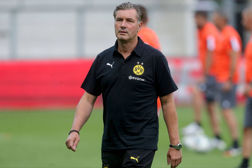 Altach, Austria 27.07.2019, Freundschaftsspiel, Udinese Calcio vs. Borussia Dortmund, Sportdirektor Michael Zorc (BVB) Schaut, looks on ( Defodi-09-541-021147 *** Altach, Austria 27 07 2019, friendly match, Udinese Calcio vs. Borussia Dortmund, sports director Michael Zorc BVB Schaut, looks on Defodi 09 541 021147 Defodi-541
