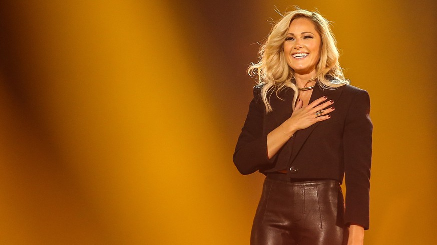 Schlagerbooom - Das internationale Schlagerfest am 02.11.2019 in der Westfalenhalle in Dortmund Helene Fischer Foto: osnapix Schlagerbooom 2019 - Das internationale Schlagerfest *** Schlagerbooom The international Schlagerfest on 02 11 2019 in the Westfalenhalle in Dortmund Helene Fischer Photo osnapix Schlagerbooom 2019 The international Schlagerfest MH