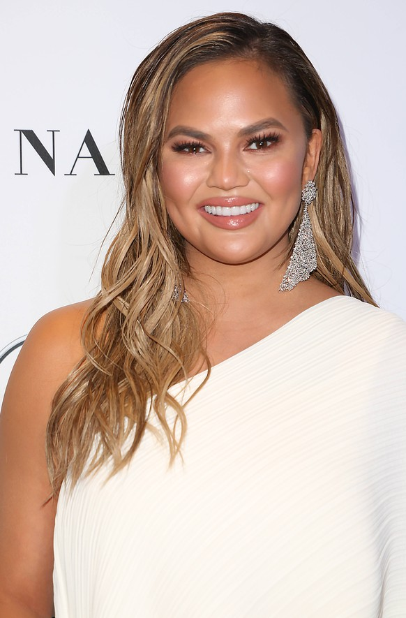 November 12, 2018 - New York, N.Y, USA - CHRISSY TEIGEN at the Glamour Women of the Year Awards 2018,.Spring Studios, NYC.November 12, 2018.Photos by , Globe Photos Inc New York USA PUBLICATIONxINxGERxSUIxAUTxONLY - ZUMAms4_ 20181112_zaa_ms4_025 Copyright: xSoniaxMoskowitzx