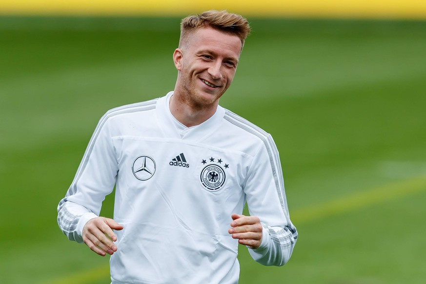 Muenchen, Germany, 03.09.2018 Training Deutsche Fussballnationalmannschaft , Marco Reus (GER) lacht ( DeFodi507 *** Muenchen Germany 03 09 2018 Training German national football team Marco Reus GER laughs DeFodi507