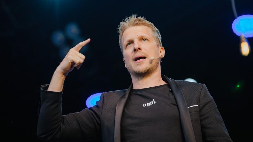 """""""Schnell politisch korrekte Likes abholen"""" – Oliver Pocher kritisiert Influencer"""