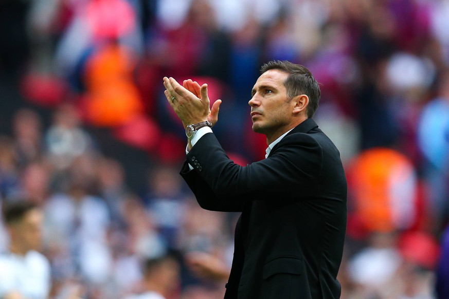 Derby County manager Frank Lampard acknowledges the fans after the Sky Bet Championship match at Wembley Stadium, London. Picture date: 27th May 2019. Picture credit should read: Craig Mercer/Sportimage PUBLICATIONxNOTxINxUK SPI-0087-0194