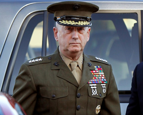 FILE PHOTO: Marine Corps four-star general James Mattis arrives to address at the pre-trial hearing of Marine Corps Sgt. Frank D. Wuterich at Camp Pendleton, California March 22, 2010.    REUTERS/Mike Blake/File Photo