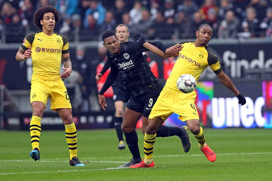 02.02.2019, xovx, Fussball 1.Bundesliga, Eintracht Frankfurt - Borussia Dortmund emspor, v.l. Axel Witsel (Borussia Dortmund), Sebastien Haller (Eintracht Frankfurt), Abdou Diallo (Borussia Dortmund), Aktion . (DFL/DFB REGULATIONS PROHIBIT ANY USE OF PHOTOGRAPHS as IMAGE SEQUENCES and/or QUASI-VIDEO) Frankfurt am Main *** 02 02 2019 xovx Football 1 Bundesliga Eintracht Frankfurt Borussia Dortmund emspor v l Axel Witsel Borussia Dortmund Sebastien Haller Eintracht Frankfurt Abdou Diallo Borussia Dortmund Action DFL DFB REGULATIONS PROHIBIT ANY USE OF PHOTOGRAPHS as IMAGE SEQUENCES and or QUASI VIDEO Frankfurt am Main