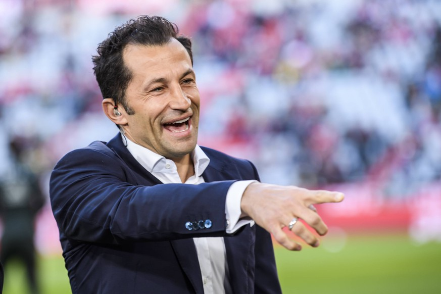 06.04.2019, xkvx, Fussball 1.Bundesliga, FC Bayern Muenchen - Borussia Dortmund emspor, v.l. Sportdirektor Hasan Salihamidzic (FCB - FC Bayern Muenchen) (DFL/DFB REGULATIONS PROHIBIT ANY USE OF PHOTOGRAPHS as IMAGE SEQUENCES and/or QUASI-VIDEO) Muenchen *** 06 04 2019 xkvx Football 1 Bundesliga FC Bayern Munich Borussia Dortmund emspor v l Sports Director Hasan Salihamidzic FCB FC Bayern Munich DFL DFB REGULATIONS PROHIBIT ANY USE OF PHOTOGRAPHS as IMAGE SEQUENCES and or QUASI VIDEO Munich