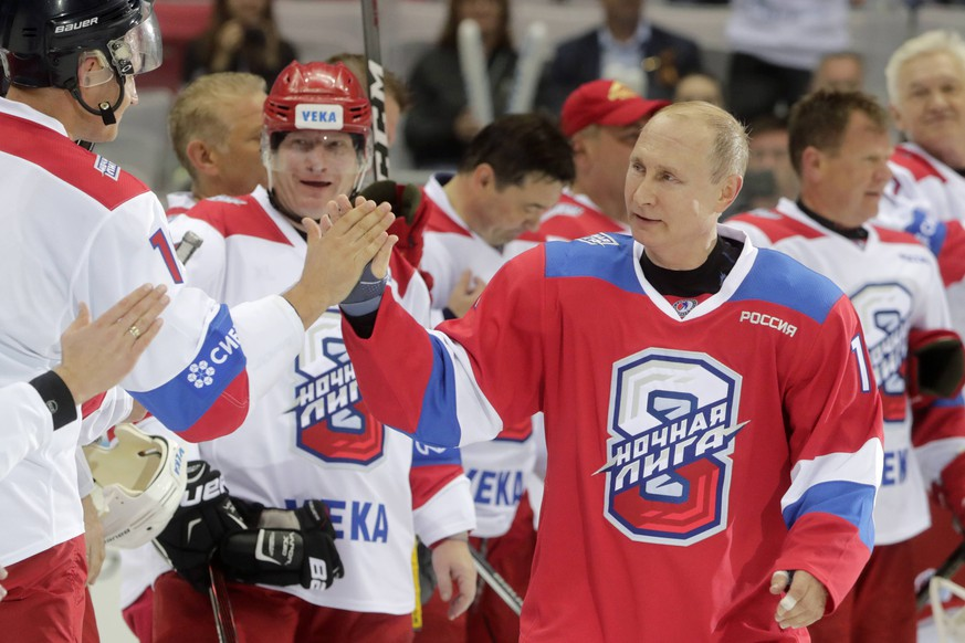 SOCHI, RUSSIA - MAY 10, 2019: Russia s President Vladimir Putin (R) after a Night Hockey League gala match at the Bolshoi Ice Palace. Mikhail Metzel/TASS PUBLICATIONxINxGERxAUTxONLY TS0AB0F3