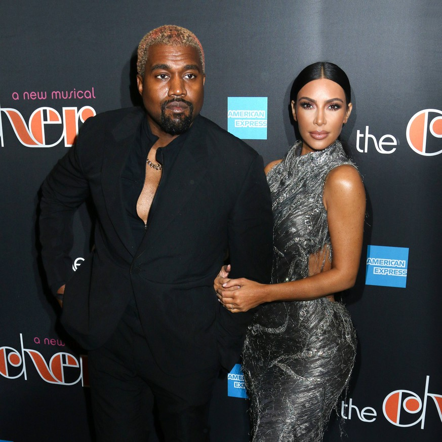 Kanye West and Kim Kardashian arriving at The Cher Show Broadway opening night in New York City - Dec 3, 2018 - The Cher Show Opening Night 2018, New York New York United States Neil Simon Theatre PUBLICATIONxINxGERxSUIxAUTxONLY Copyright: xStevenxBergmanx h_00568379