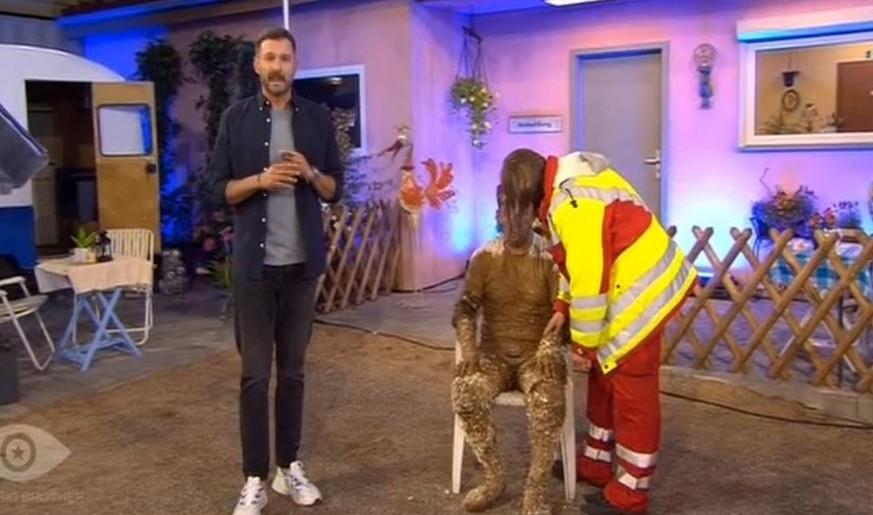 """Almklausi kollabiert bei """"Promi Big Brother"""" – Sat1 wird scharf kritisiert"""