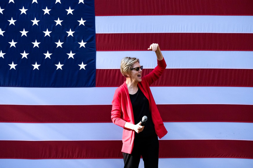 October 24, 2019, Hanover, United States: Presidential candidate Elizabeth Warren campaigns at Dartmouth College in Hanover. Hanover United States PUBLICATIONxINxGERxSUIxAUTxONLY - ZUMAs197 20191024zaas197266 Copyright: xPrestonxEhrlerx