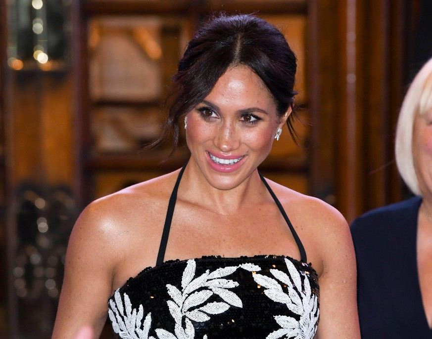 Royal Variety Performance - London The Duke and Duchess of Sussex attending the Royal Variety Performance at The London Palladium. Photo credit should read: Doug Peters/EMPICS Editorial Use Only PUBLICATIONxINxGERxSUIxAUTxONLY Copyright: xDougxPetersx 39799865