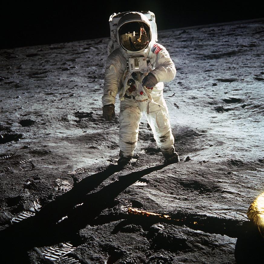 War Die Mondlandung Ein Fake 13 Behauptungen Im Faktencheck