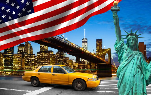 New York City with Liberty Statue ad yellow cab, the big apple, symbol of freedom PUBLICATIONxINxGERxSUIxAUTxHUNxONLY 1085306274New York City With Liberty Statue Retired Yellow Cab The Big Apple symbol of Freedom PUBLICATIONxINxGERxSUIxAUTxHUNxONLY 1085306274