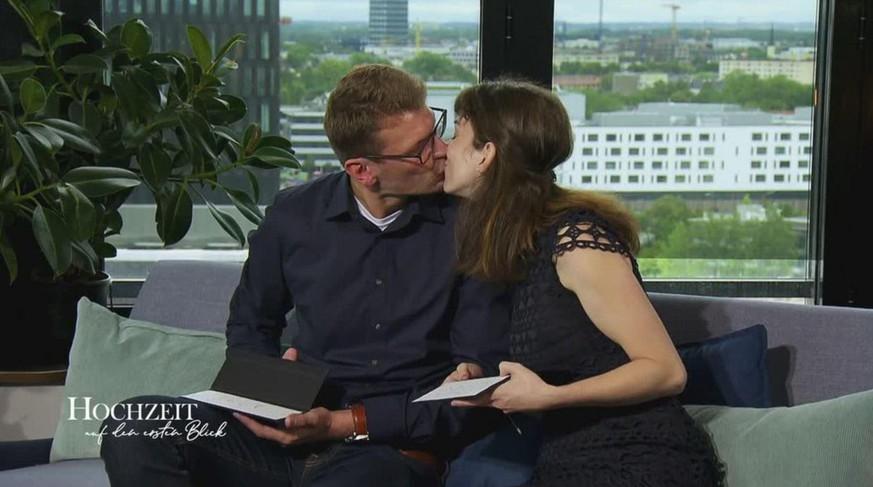 Unschones Ende Bei Sat 1 Show Scheidungs Flut Bei Hochzeit Auf Den Ersten Blick Watson