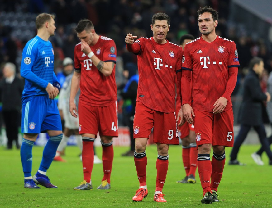 13.03.2019, CL, Champions League, Achtelfinale Rueckspiel, FC Bayern Muenchen vs FC Liverpool, Allianz Arena Muenchen , Fussball, im Bild: Torwart Manuel Neuer (FCB), Niklas Suele (FCB), Robert Lewandowski (FCB) und Mats Hummels (FCB) DFL REGULATIONS PROHIBIT ANY USE OF PHOTOGRAPHS AS IMAGE SEQUENCES AND / OR QUASI VIDEO. *** 13 03 2019 CL Champions League Round of 16 Return FC Bayern Muenchen vs FC Liverpool Allianz Arena Muenchen Football Sport in picture Goalkeeper Manuel New FCB Niklas Suele FCB Robert Lewandowski FCB and Mats Hummels FCB DFL REGULATIONS PROHIBIT ANY USE OF PHOTOGRAPHS AS IMAGE SEQUENCES AND OR QUASI VIDEO