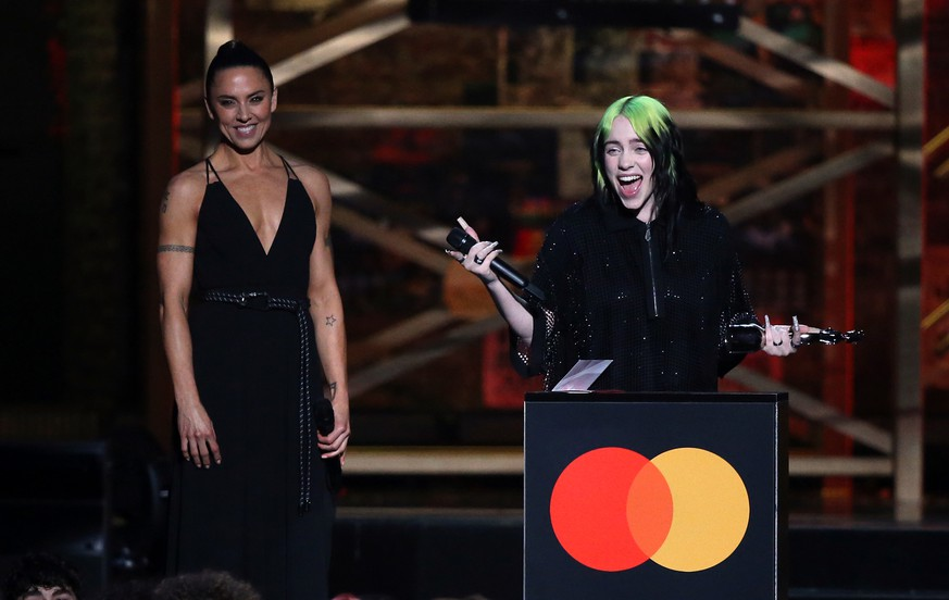 Brit Awards 2020 - Show - London. Billie Eilish with her International Female Solo Artist award on stage at the Brit Awards 2020 at the O2 Arena, London. Picture date: Tuesday February 18, 2020. See PA story SHOWBIZ Brits. Photo credit should read: Isabel Infantes/PA Wire URN:50414148 |