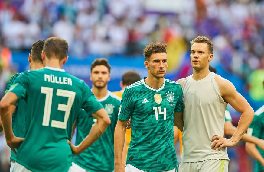 Germany - South Korea, Soccer, Kazan, June 27, 2018 Leon GORETZKA, DFB 14 Manuel NEUER, DFB 1 goalkeeper, sad, disappointed, angry, Emotions, disappointment, frustration, frustrated, sadness, desperate, despair, GERMANY - KOREA REPUBLIC FIFA World Cup WM Weltmeisterschaft Fussball 2018 RUSSIA, Group F, Season 2018/2019, June 27, 2018 Stadium K a z a n - A r e n a in Kazan, Russia. Photo: MAGICS / Peter Schatz