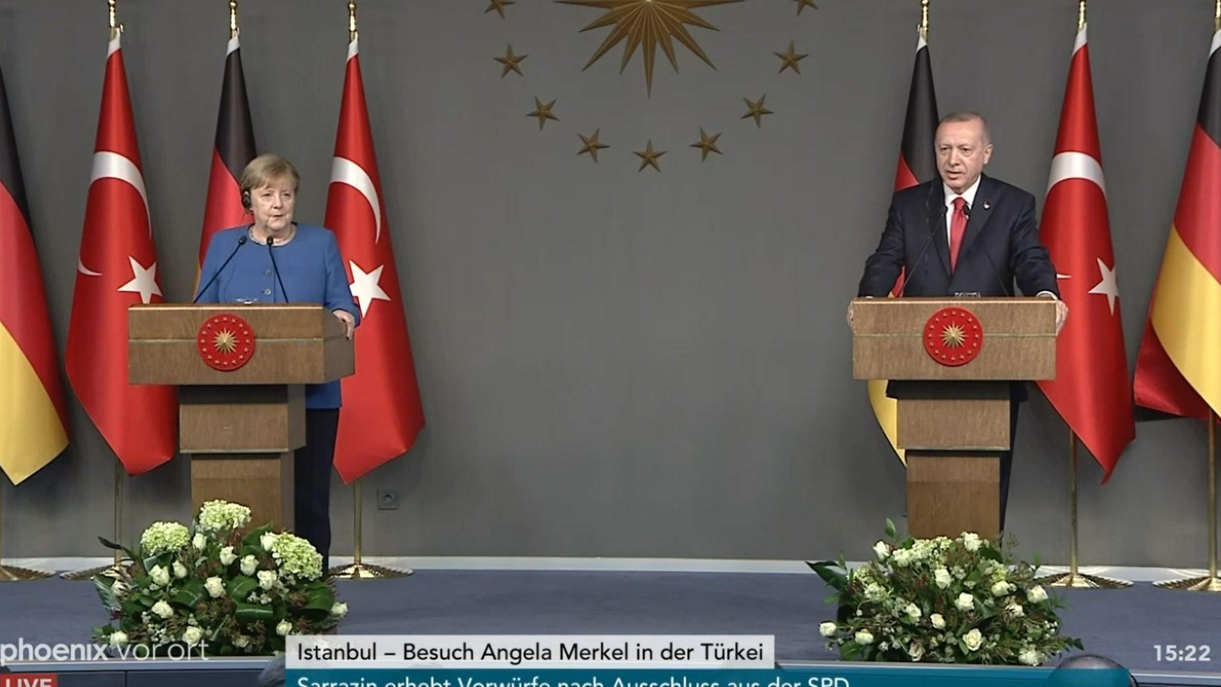 """""""Wir missverstehen uns"""": Merkel widerspricht Erdogan auf offener Bühne"""