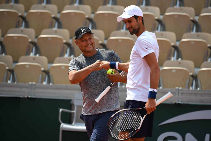 Novak Djokovic (SRB) Marian Vajda (SRB) TENNIS : Roland Garros 2018 - Internationaux de France - 23/05/2018 Panoramic PUBLICATIONxNOTxINxFRAxITAxBEL