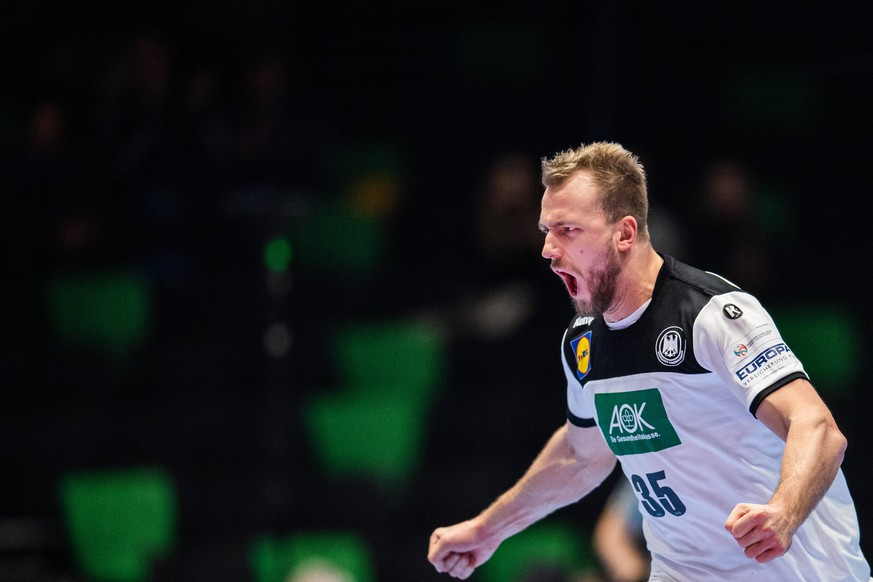 Handball Em Deutschland Bezwingt Lettland Und Zieht In