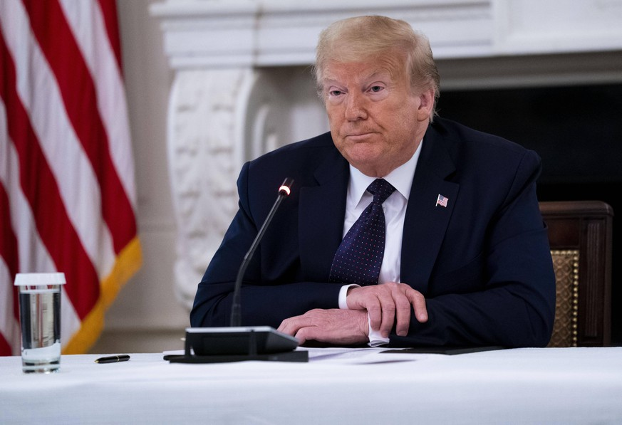 June 8, 2020, Washington, District of Columbia, USA:President DONALD J. TRUMP makes remarks as he participates in a roundtable with law enforcement officials in the State Dining Room of the White House in W.Washington. Washington USA - ZUMAs152 20200608zaas152063 Copyright: xDougxMillsx