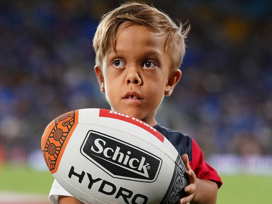 NRL INDIGENOUS MAORI ALL STARS, Quaden Bayles, 9, poses for a photograph during the NRL Indigenous All-Stars vs Maori Kiwis match at CBus Super Stadium on the Gold Coast, Saturday, February 22, 2020. Bayles who lives with Achondroplasia, a common form of dwarfism, was invited to lead the Indigenous All Stars onto CBUS stadium after after a video posted by his mother about his bullying went viral.  ACHTUNG: NUR REDAKTIONELLE NUTZUNG, KEINE ARCHIVIERUNG UND KEINE BUCHNUTZUNG GOLD COAST QLD AUSTRALIA PUBLICATIONxINxGERxSUIxAUTxONLY Copyright: xDAVExHUNTx 20200222001450894133