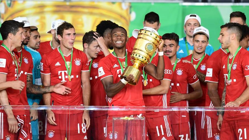 FC Bayern jubelt nach DFB-Pokal-Sieg– Thomas Müller nachdenklich