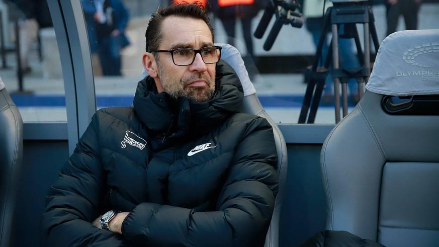 Schlammschlacht in Berlin: So sauer reagieren Hertha-Bosse auf Klinsmann-Papier