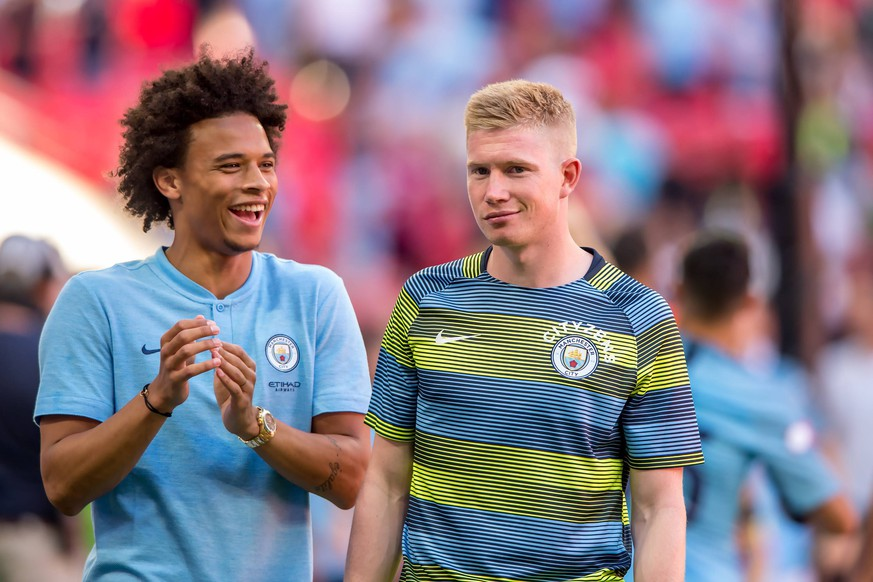 Sport Themen der Woche KW31 Sport Bilder des Tages  Leroy Sane of Manchester City and Kevin De Bruyne of Manchester City celebrates the victory during the 2018 FA Community Shield match between Chelsea and Manchester City at Wembley Stadium, London, England on 5 August 2018. PUBLICATIONxNOTxINxUK Copyright: xSalvioxCalabresex 20570079