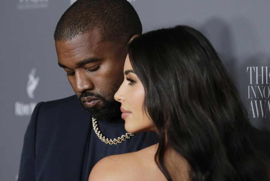 Kayne West and Kim Kardashian arrive on the red carpet at the WSJ Mag 2019 Innovator Awards at The Museum of Modern Art on Wednesday, November 06, 2019 in New York City. PUBLICATIONxINxGERxSUIxAUTxHUNxONLY NYP20191106116 JOHNxANGELILLO