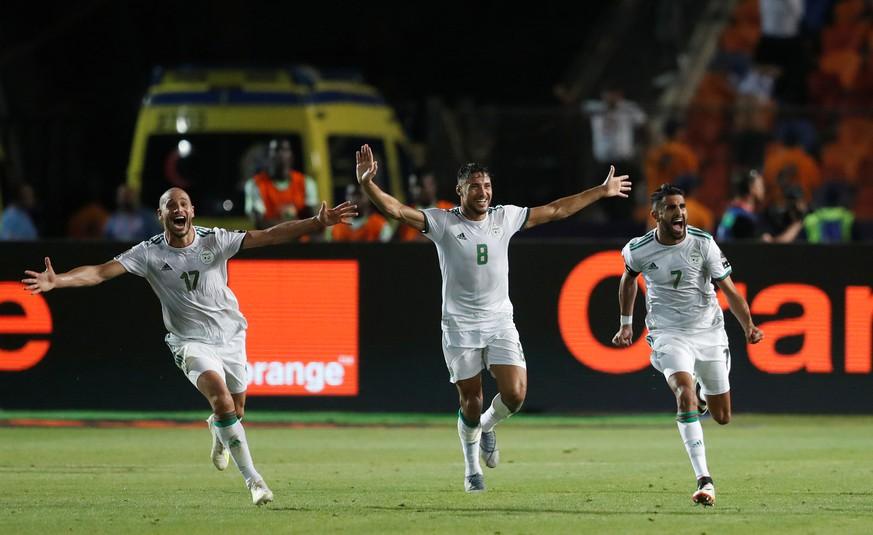 Freistoß-Hammer: Das Tor des Wochenendes ist gerade beim Afrika-Cup gefallen