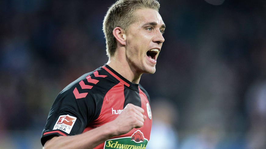 29.01.2017, xmhx, Fussball 1.Bundesliga, SC Freiburg - Hertha BSC Berlin, emspor, v.l. Nils Petersen (SC Freiburg) erzielt ein Tor, Goal scored zum 2:0 Jubel, Freude Freiburg