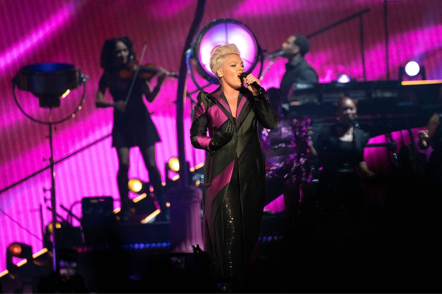 Pink, die Saengerin bei ihrem Konzert am 7.05.2019 in der Colonial Life Arena in Columbia, South Carolina im Rahmen ihre Beautiful Trauma Tour Pink Konzert in Columbia im Rahmen der Beautiful Trauma Tour 2019 *** Pink the singer at her concert on 7 05 2019 at the Colonial Life Arena in Columbia South Carolina as part of her Beautiful Trauma Tour Pink concert in Columbia as part of the Beautiful Trauma Tour 2019 PUBLICATIONxINxGERxSUIxAUTxONLY