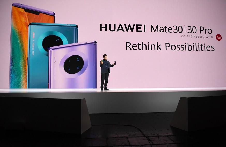 """Huawei enthüllt Top-Handys, Uhren und Fernseher – """"vergisst"""" aber das Wichtigste"""