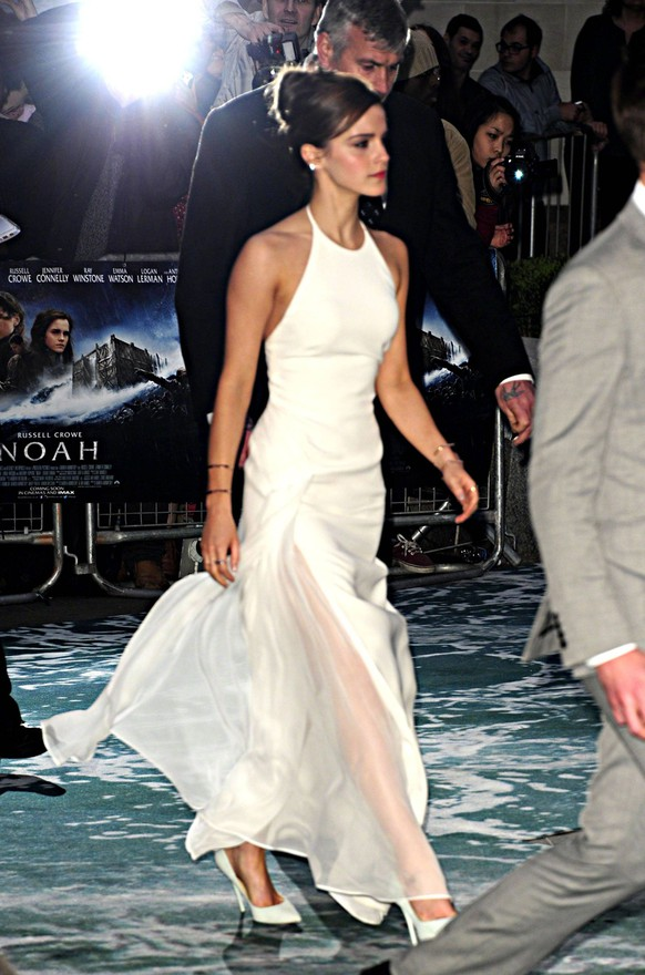 March 31, 2014 - London, England - Emma Watson arriving at the UK premiere of Noah at the Odeon Leicester Square on March 31 2014 in London PUBLICATIONxINxGERxSUIxAUTxONLY - ZUMAny1