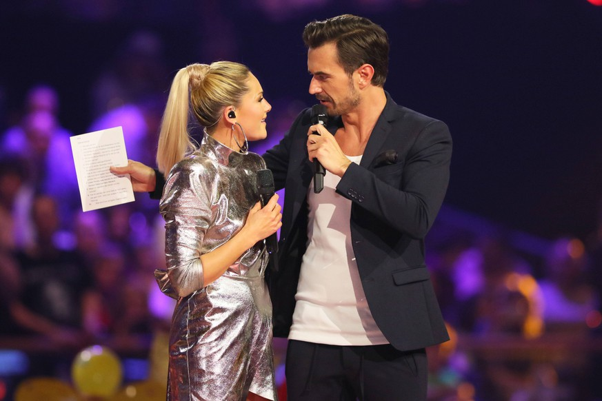 ARD Schlager Champions 12.01.2019 Helene Fischer und Florian Silbereisen bei der ARD-Show - Schlager Champions, Das Grosse Fest der Besten - im Velodrom, Paul-Heyse-Strasse, Berlin - 12.01.2019 - *** ARD Schlager Champions 12 01 2019 Helene Fischer and Florian Silbereisen at the ARD Show Schlager Champions The Great Festival of the Best at the Velodrom Paul Heyse Strasse Berlin 12 01 2019