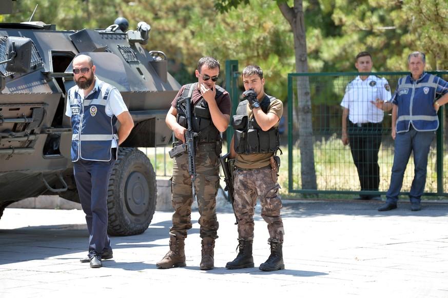 Fast 500 Angeklagte im Putschprozess: Türkei verhängt hohe Haftstrafen
