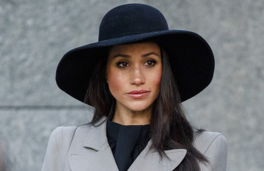 LONDON, ENGLAND - APRIL 25: Meghan Markle, the US fiancee of Britain's Prince Harry, attends an Anzac Day dawn service at Hyde Park Corner on April 25, 2018 in London, England.  Anzac Day commemorates Australian and New Zealand casualties and veterans of conflicts and marks the anniversary of the landings in the Dardanelles on April 25, 1915 that would signal the start of the Gallipoli Campaign during the First World War.  (Photo by Tolga Akmen - WPA Pool/Getty Images)