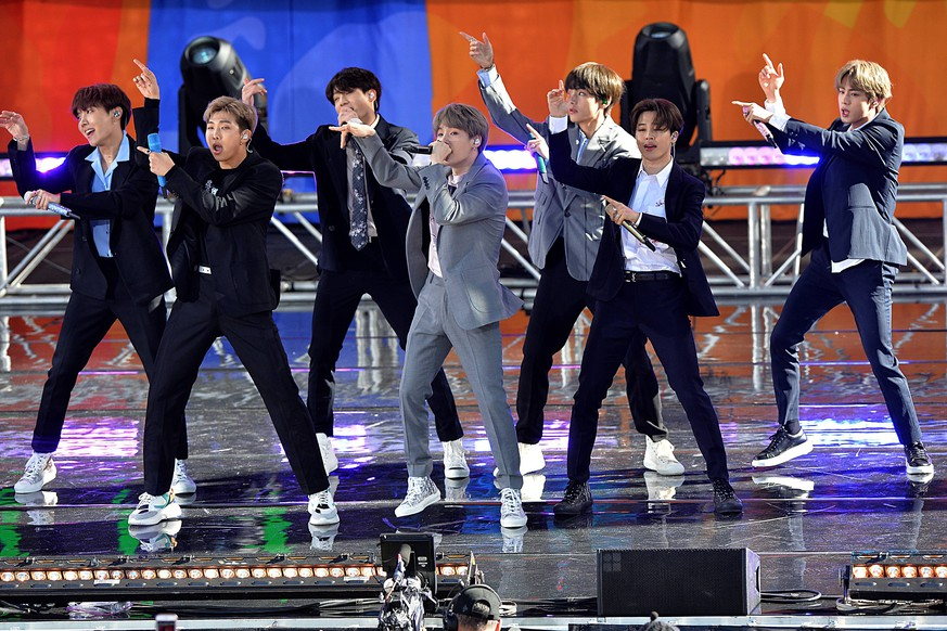 May 15, 2019, New York, NY, USA: BTS performing on Good Morning America s Summer Concert Series in Central Park in New York City. New York USA *** May 15, 2019, New York, NY, USA BTS performing on Good Morning America s Summer Concert Series in Central Park in New York City New York USA PUBLICATIONxINxGERxSUIxAUTxONLY - ZUMAny1_ 20190515_zaf_ny1_095 Copyright: xKristinxCallahanx